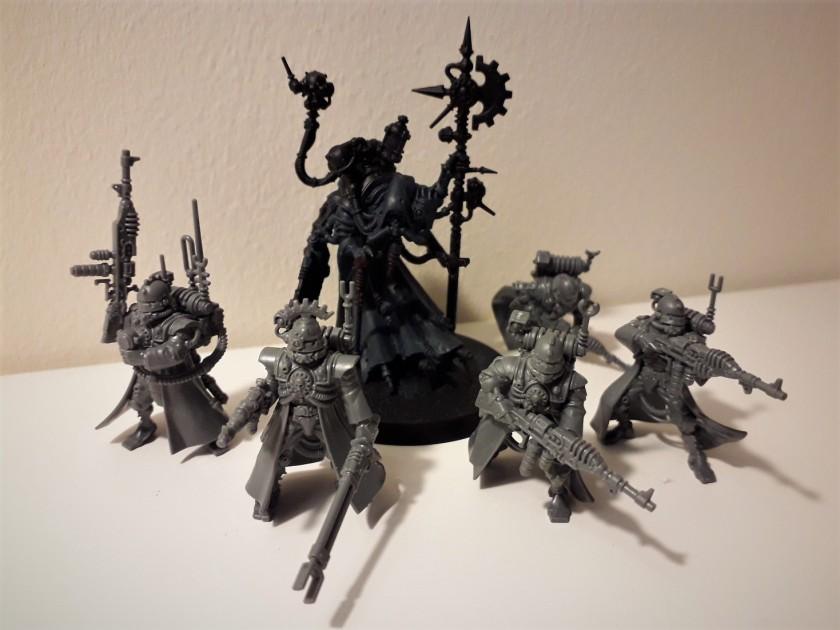 Skitarii Vanguard / Tech Priest Dominus